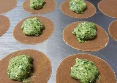 Ravioles con pasta de espelta integral rellenos de espinacas