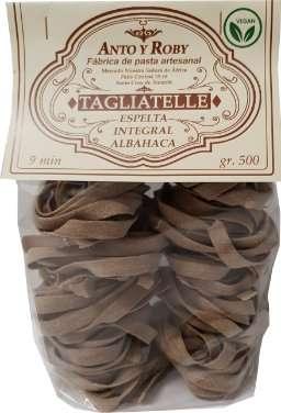 Tagliatelle de espelta con albahaca